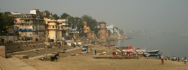 Lingams along the Ganges, Varanasi