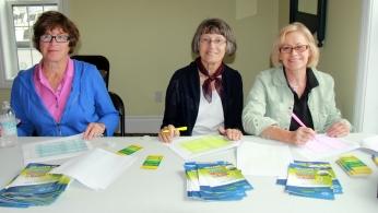 Elaine Tausenfreund and Rotarians Elizabeth Grew & Donna Kearns