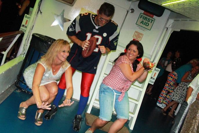 Jill Raycroft rocking on with Tom Brady aka Drew Walsh & Marianne aka Jody Brooker