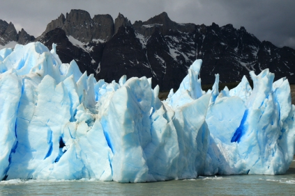 Ice Blue Iceberg, Gray Lake