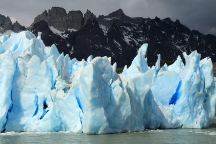 Ice Blue Iceberg, Gray Lake