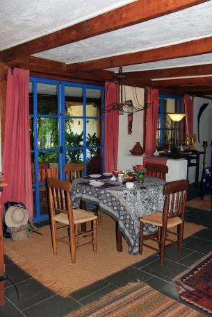 Mapu Yampay Dining area