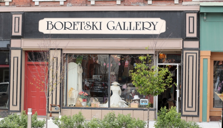 Boretski Gallery of Vintage Clothing & Memorabilia