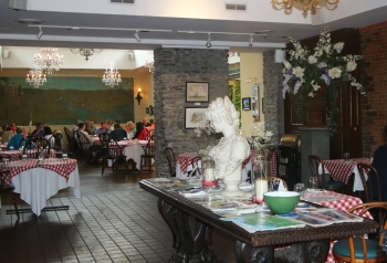 Lunchtime Dining at Dinkel's