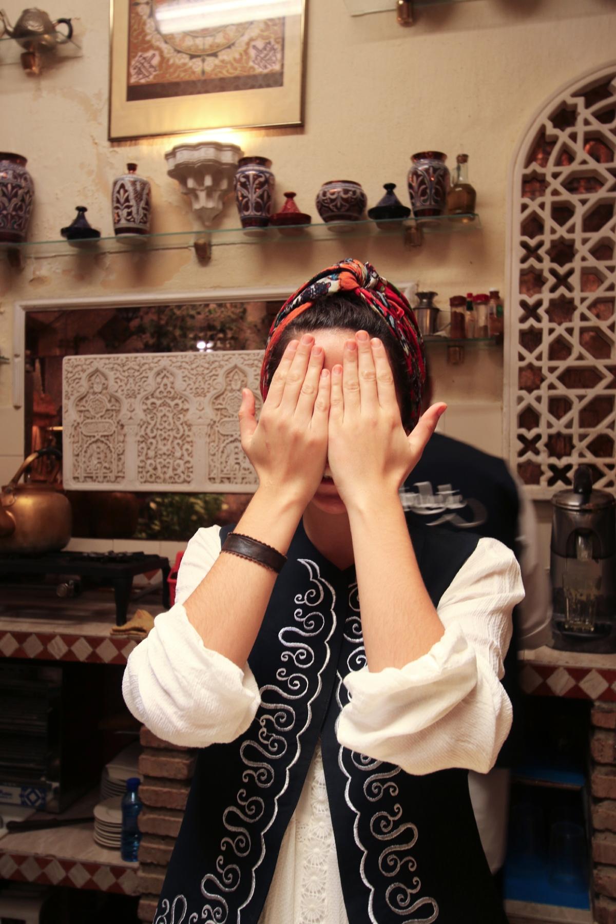 1. Surprised Muslim woman.lr